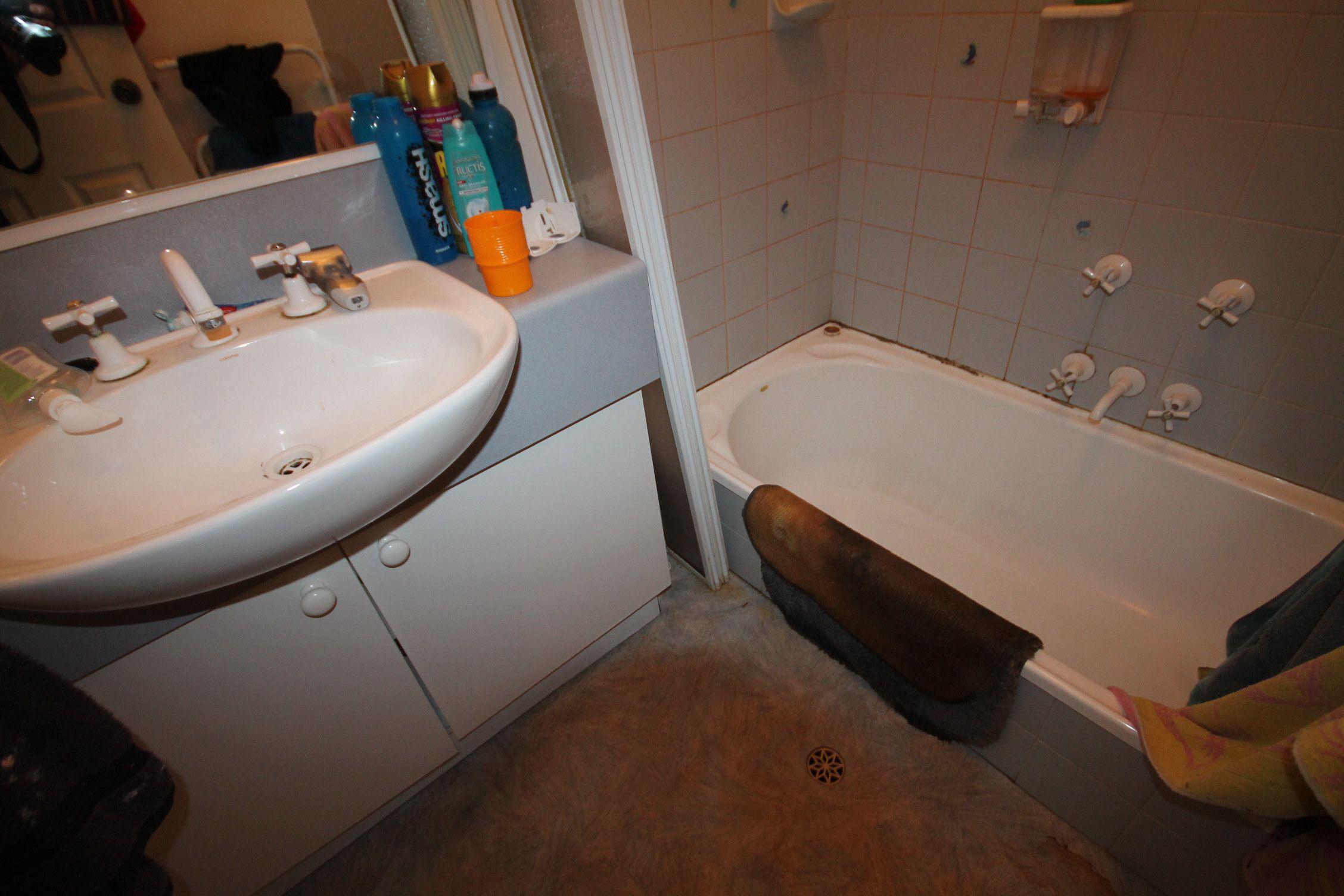 Sadhna m bathroom bathroom renovations perth for Bathroom renovations 3d