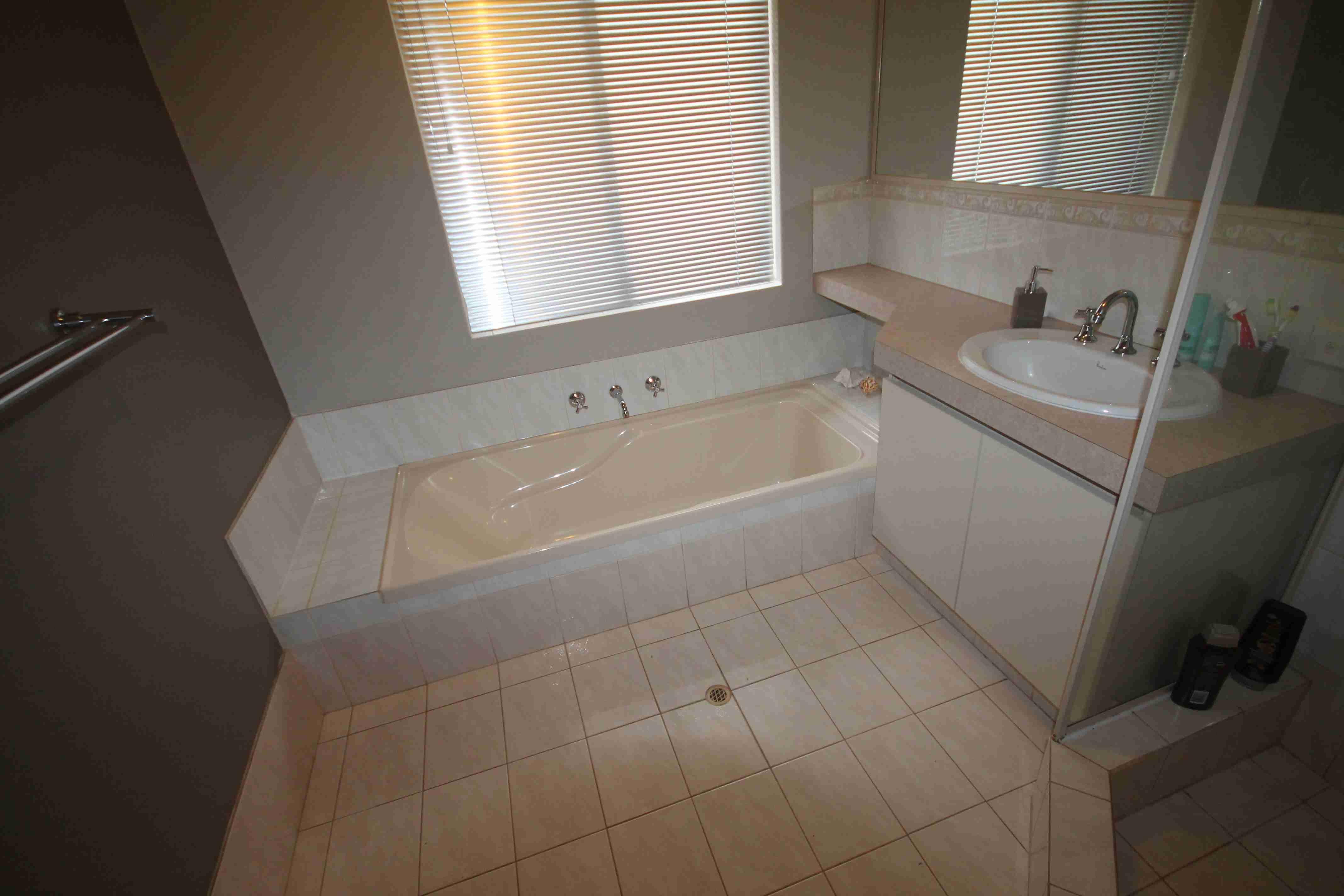 Wayne rose r bathroom bathroom renovations perth for Bathroom renovations 3d
