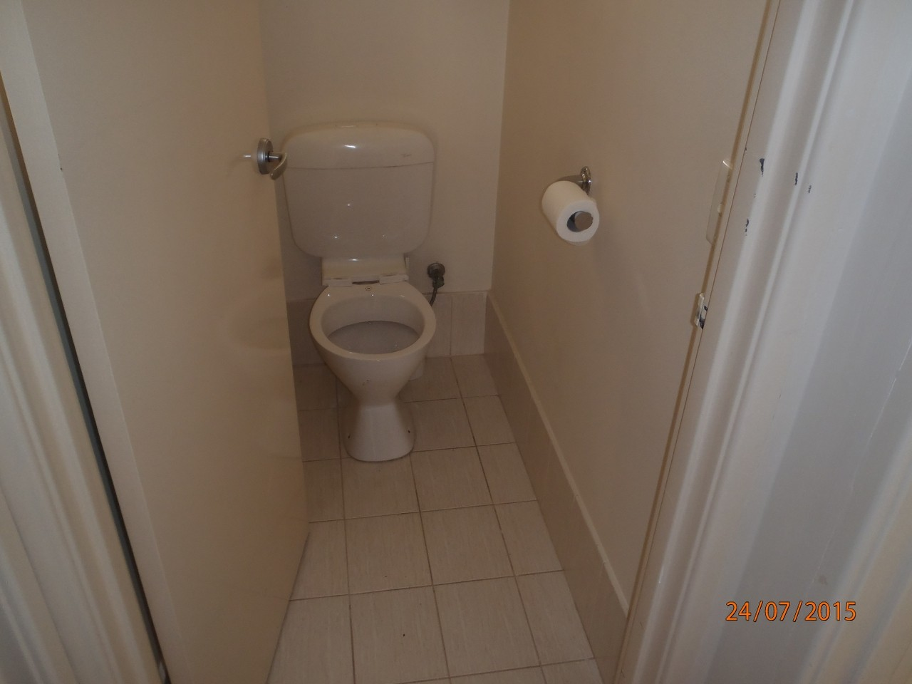 Erica a bathroom wc bathroom renovations perth for Bathroom renovations 3d