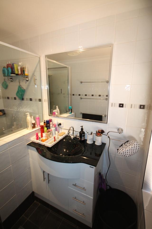 Monika m bathroom bathroom renovations perth for Bathroom renovations 3d