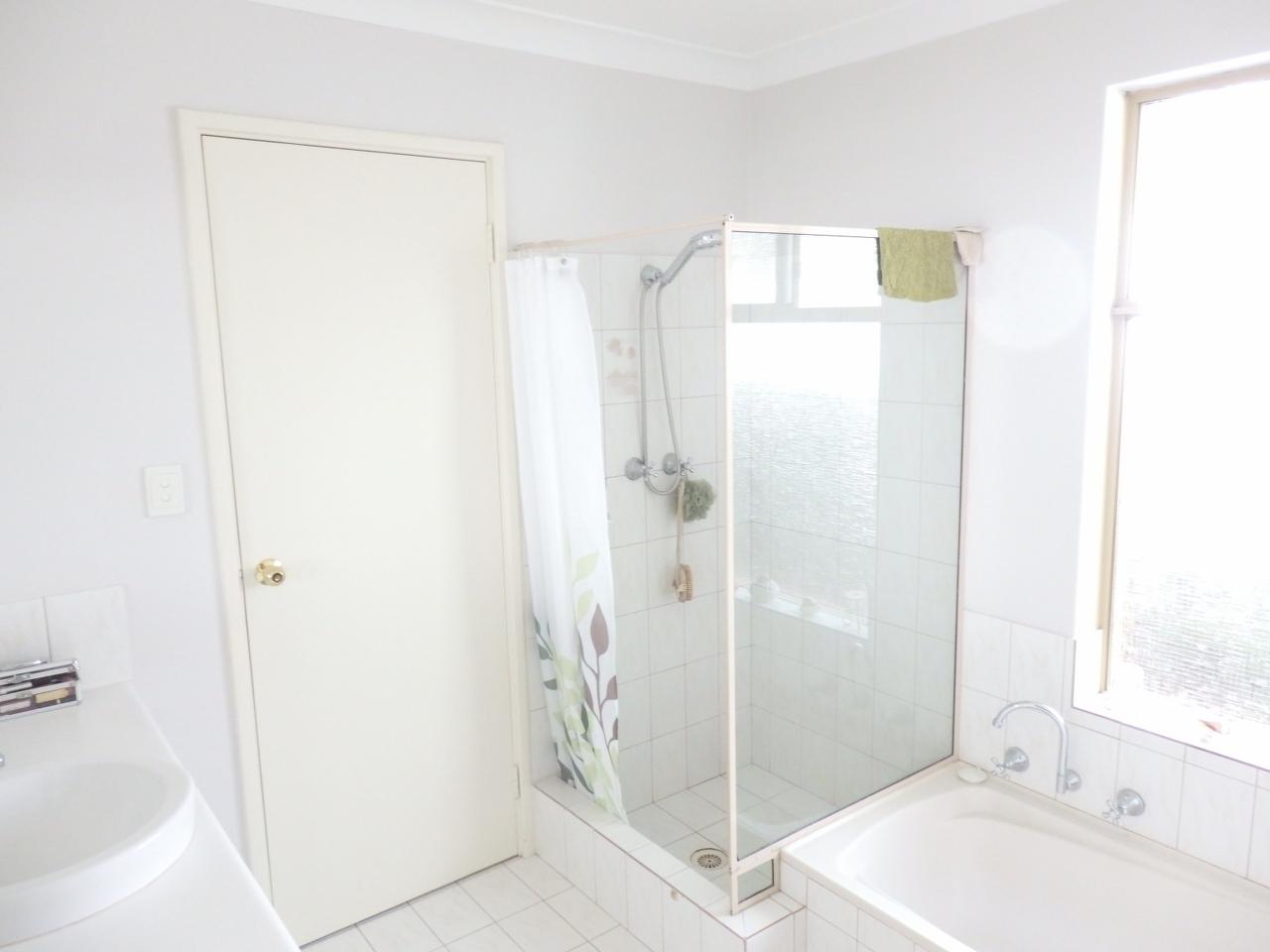 Marion b bathroom bathroom renovations perth for Bathroom renovations 3d