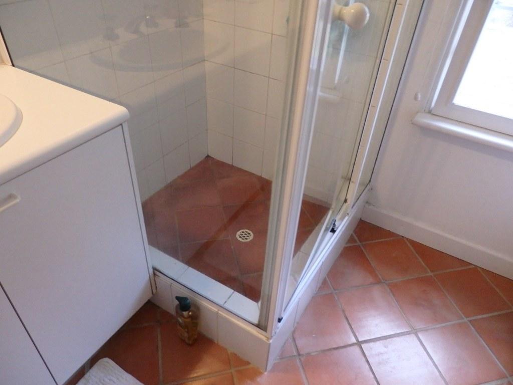 Sally c bathroom bathroom renovations perth for Bathroom renovations 3d
