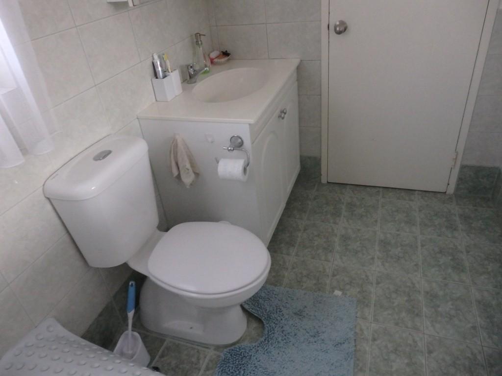 Dorothy ron l bathroom bathroom renovations perth for Bathroom renovations 3d
