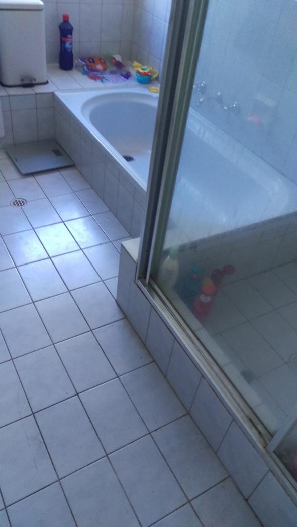 Linda ian s bathroom bathroom renovations perth for Bathroom renovations 3d
