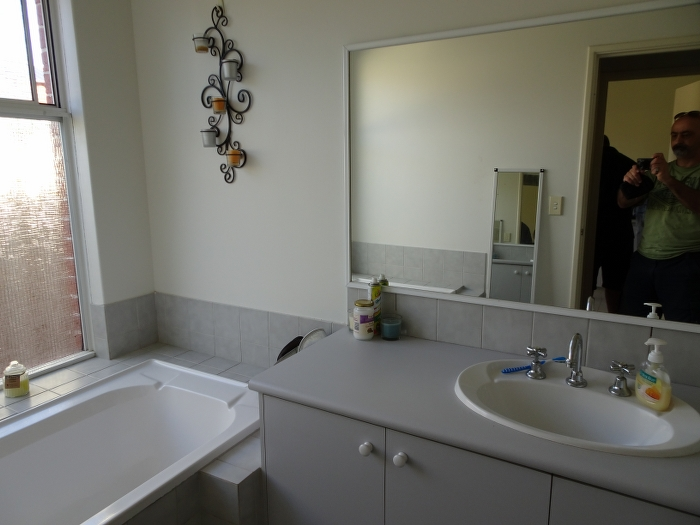 Lynda garry m bathroom bathroom renovations perth for Bathroom renovations 3d